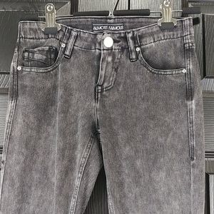 Junior's Almost Famous Gray/Black Jegging Size 1